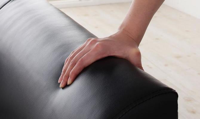 革製ソファー