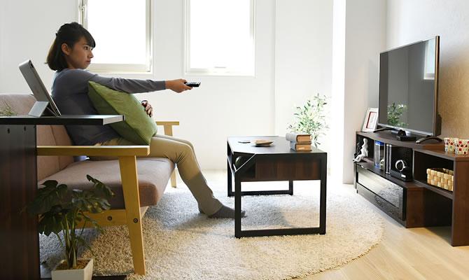 座ってテレビが見やすい高さか、テーブルとの高さは合っているか