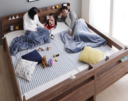家族全員が寝られるワイドキングサイズ