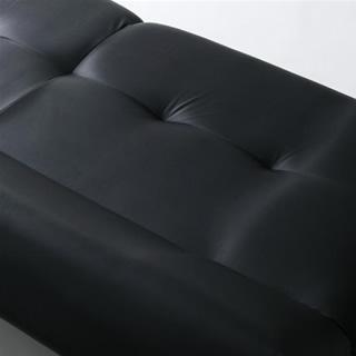 広々とした座面部分