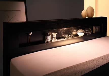 LEDライトの灯りがやさしく溢れる一灯照明。