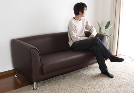 お部屋を選ばないシンプルデザイン